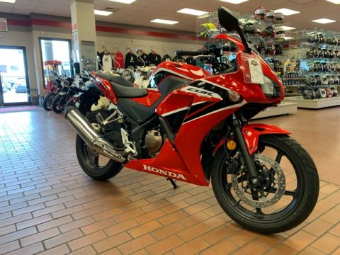 New 2017 Honda CBR300R Base